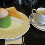 らんぷ - 同額モーニング こちらはバタートーストと茹で卵の2品