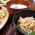 森の家庭料理レストラン - めかぶとひきわり納豆、茶碗蒸し・・体に良いもので腹いっぱいになれる幸せ。