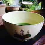 三玉亭 - ちょい濃いめでなめらかな美味しい抹茶~♪