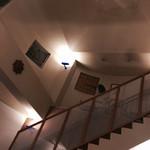 イタリア料理 リストランテ フィッシュボーン - 二階への階段