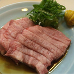 串・近江牛 だるま - 料理写真:タン刺し生(950円)