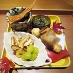 栞庵 やましろ - 菊菜としめじ、ばちこ  壬生菜、胡麻、鰹節  海老芋、くわいの揚げ物  栗煎餅、銀杏