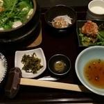 45477269 - 水炊き御膳(1500円)ランチタイム 他にも前菜3種とスープが付いていました。