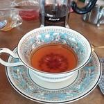 つぼや - いつもウィンナーコーヒーを注文するけど今日は紅茶を♪紅茶も美味しい