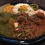 Yatara spice - ポークマサラ×厚揚げと水菜のスパイシーキーマ×かぶらとホウレン草のマサラ(3種あいがけ) 1,200円