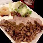 かまくら屋 - ポークステーキ、キノコバジルソース。付け合わせのマッシュポテトがおいしい