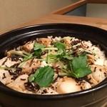 山茶 - 蟹とホタテの土鍋御飯