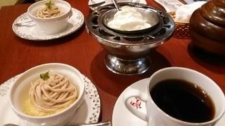 菊竹珈琲堂 アクロス福岡店 - コーヒーと追加のモンブラン