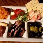 スペイン食堂MARU。個室×炭火焼 バル - 前菜の盛り合わせ