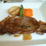 フライパン - 牛ロース肉のステーキ