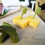 Camelback sandwich&espresso - 玉子とピクルス