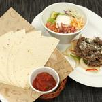 TAK CAFE - KOREA×MEXCO!韓国料理をトルティーヤで巻いてパクッと♪