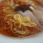 仲江戸 - 麺のアップ