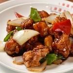 上海湯包小館 - 黒酢の酢豚