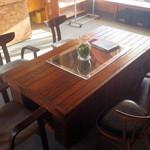 わがまま農園Cafe - 中央のテーブル席
