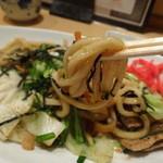 京風 里のうどん - 村岡マヨ焼きそばの麺はうどんです!