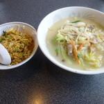 萬々亭 - 長崎チャンポン(塩味)+炒飯(小)セット
