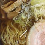 麺天 湯気家 - しょうゆらーめん600円+大盛り100円