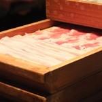 コラーゲンしゃぶしゃぶとワイン GINZA春夏秋豚 - 越後魚沼健康豚