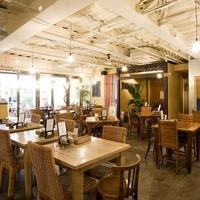 アムリタ食堂 - 広々としたくつろぎの空間