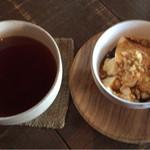 ao cafe - マロングラッセフレーバーティーと豆乳プリン黒蜜きなこがけ ¥710