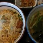 若菜 千里丘店 - 日替り定食(かつ丼とうどんのセット:750円)