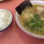 一楽ラーメン - 料理写真:ラーメン=560円 小飯=160円