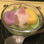 味道楽 - 2015 女将特製デザート 抹茶とミルクの2層ムースに紫芋と南瓜の白玉、白餡がトッピング