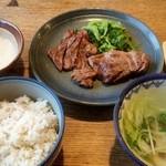 shodaigyuutanakabee - ミックス定食1,390円+とろろ200円