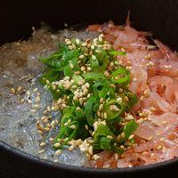 SUNZOK - 【公式】1番人気 えびしらす丼 1090円