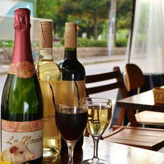 ハッピーアワー開催中◆豊富なワインやリモンチェッロがおすすめ