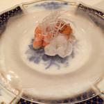 45545657 - 北海道産の水蛸・海老・雲丹のアンジュレ 金時人参のムース