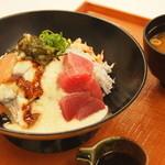 のっけどん - 料理写真:静岡をイメージした各食材を使用した海鮮丼です。