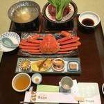 45546302 - 夕食は蟹尽くし!良いサイズのずわい蟹が鎮座しています