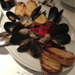 45548780 - 貝類のソテー 黒胡椒風味