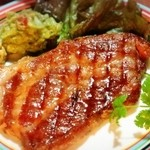 エラドゥーラ - 【AVO豚のステーキ】