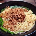 福香園 - 台湾ラーメン大盛り 麺は細麺ストレート (2015年12月)