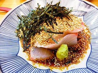 むとう - 鯛茶漬け! 鯛の刺身がお皿にもられてきます。