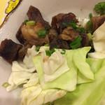45554103 - またまた食べかけごめんなさい(^^;;                       牛すじ煮込み、やわらかくて美味しかった〜!付け合わせのキャベツも甘かった!