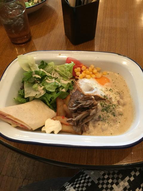 WIRED CAFE 梅田NU chayamachi店