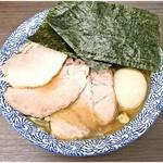 頓知房 - 特製中華そば 1050円 とてもバランスの良い煮干し醤油ラーメンです。