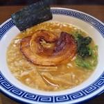 らー麺 にしかわ - とんこつしょうゆらー麺 680円 (^^b