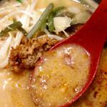 田所商店 - 塩分高めですが、コクのあるスープです