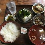 赤坂あべちゃん - 昼定食/冷やっこ(にこみ付)600円