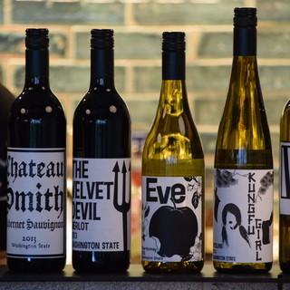 ワシントン州のワインをはじめとした、豊富なワインセレクション
