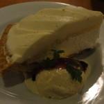 45581085 - レアクリームチーズケーキ630円