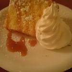 カフェ・ドゥ・トワ - デザートのシフォンケーキ