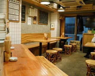 仲垣 - 2015.12 カウンター席とテーブル席