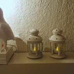キングジョージ - 入口階段途中にあるフクロウと灯り