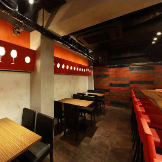 【2階】飲み会や女子会におすすめのテーブル席(2~4名様)